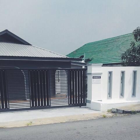 3-bedroom Johor Bahru Homestay - Johor Bahru - Ház