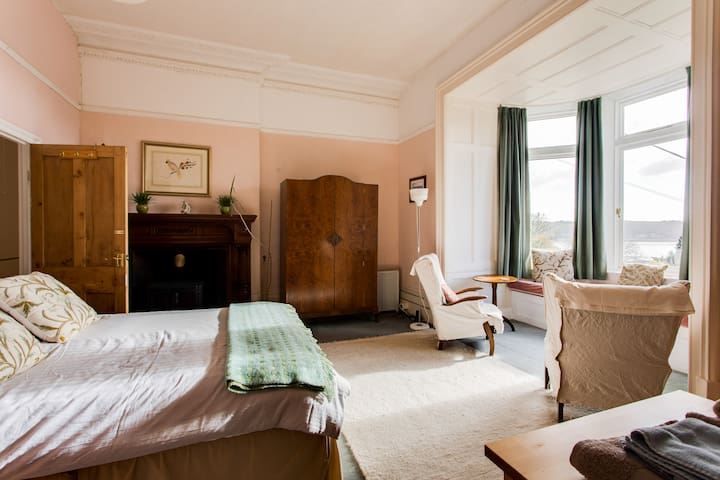 The Grand Suite - superb sea views - Carmarthenshire - Casa