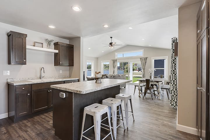 """Prepare for your friends and family to say """"WOW"""" upon there arrival as you great them at this Air BnB.  We sparred no expense on this one.  Commercial Grade LVP flooring throughout entire first level.  3 FULL Baths, Open Concept, Modern and Clean."""
