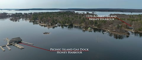 Island Home 5 to 7 Bedroom  Available Honey Harbor