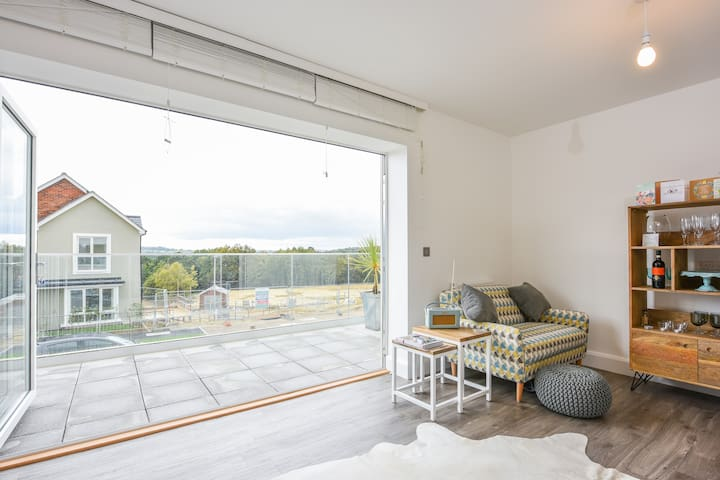 Bright & airy spacious dbl w/ bath - Tunbridge Wells - Huis