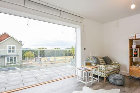 Bright & airy spacious dbl w/ bath - Tunbridge Wells - Dom