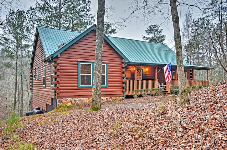 Authentic 4BR Ellijay Log Cabin - Ellijay - Blockhütte