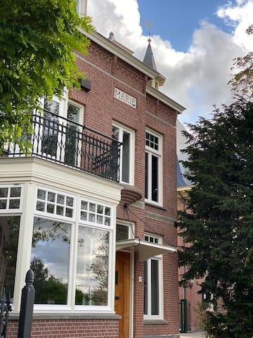Vrijstaande Villa dichtbij Amsterdam & Haarlem