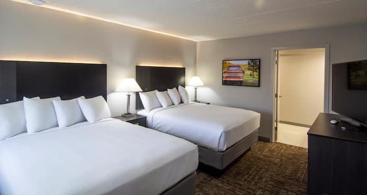 Americana Modern Hotel, DBL Queen Pet Friendly