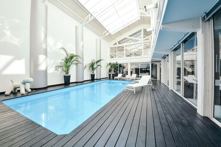 Luxurious Loft 450m² A-C/ Pool/ Rooftop/ Parking