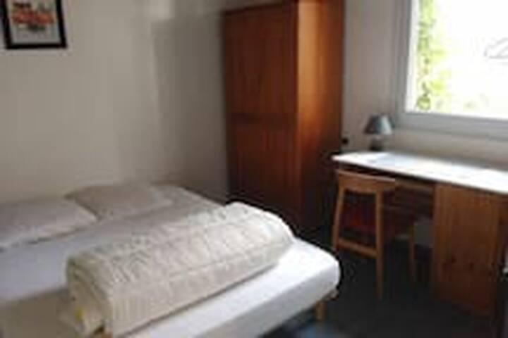 Chambre privée dans maison à Chaspinhac