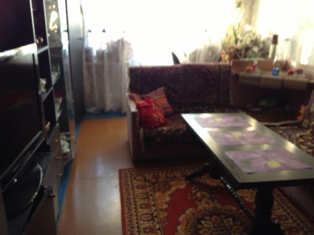 Комната для размещения гостя г. Сыктывкара - Syktyvkar - Apartment