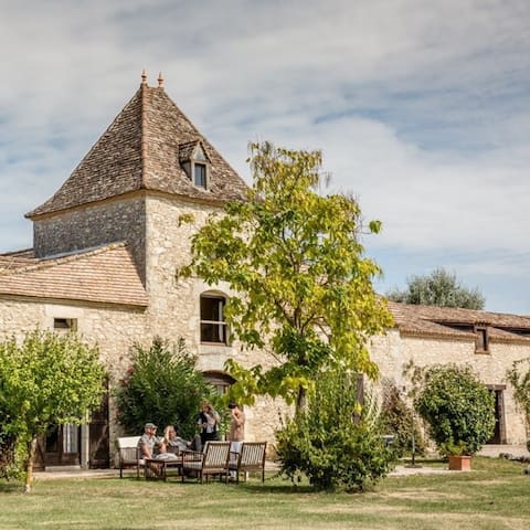 Le Pigeonnier - a picture postcard French getaway