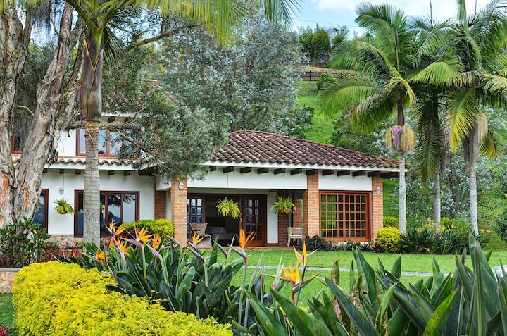 Montañas de Esperanza - An Ideal Couples Get Away