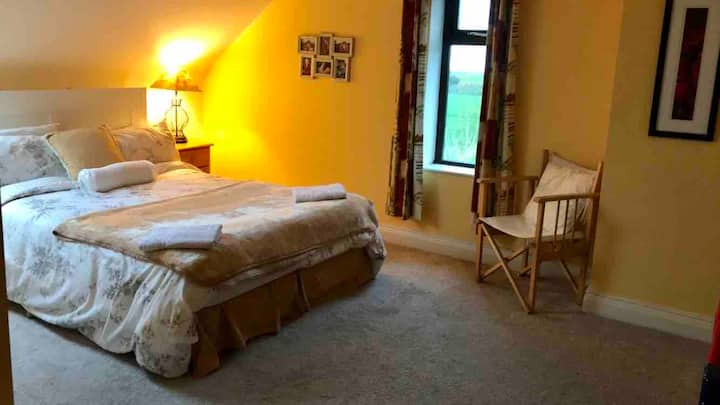 2 Lovely Private Double Rooms