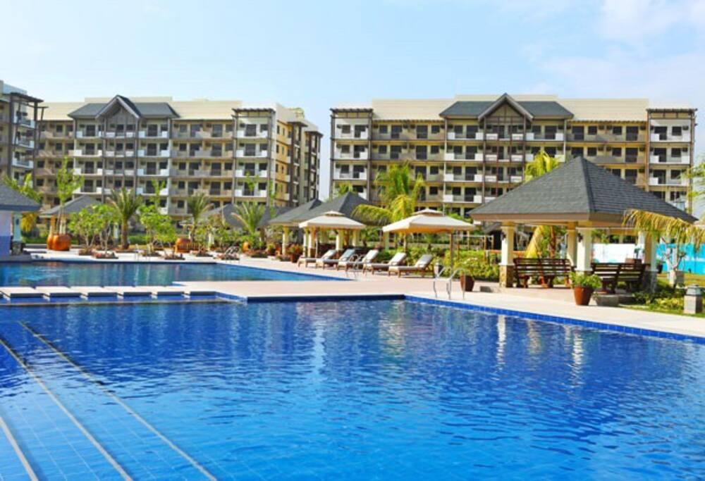 2br condo by airport wifi resort facilities condominiums for rent in para aque metro manila for 10 b swimming pool ups 5 sucat paranaque