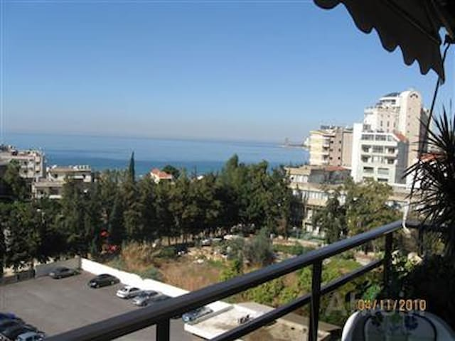 Sunny Sea View Apartment Jounieh,18min from Beirut - Jounieh - Huoneisto