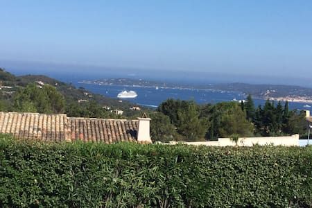Beautiful villa with stunning view - Grimaud - Villa