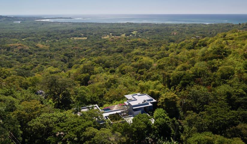 Casa Blue, Tamarindo area