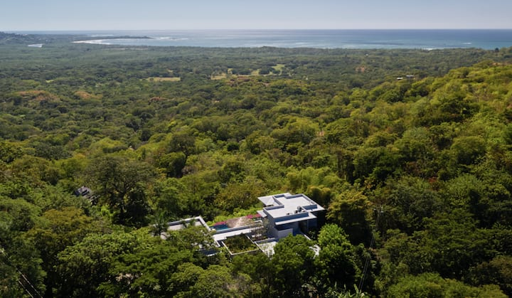 Casa Blue, prime views of Tamarindo and forest