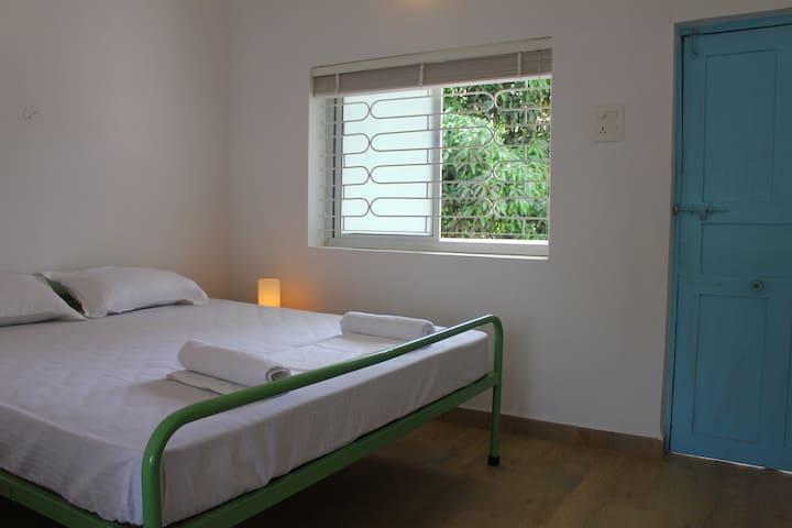 SUMMER hostel - Standard Double - Canacona - Bed & Breakfast