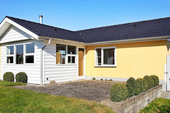 Quaint Holiday Home in Hejls close to sea