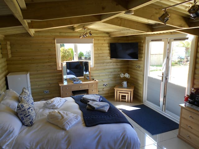 LUXURY LOG CABIN - Carbis Bay - Flat