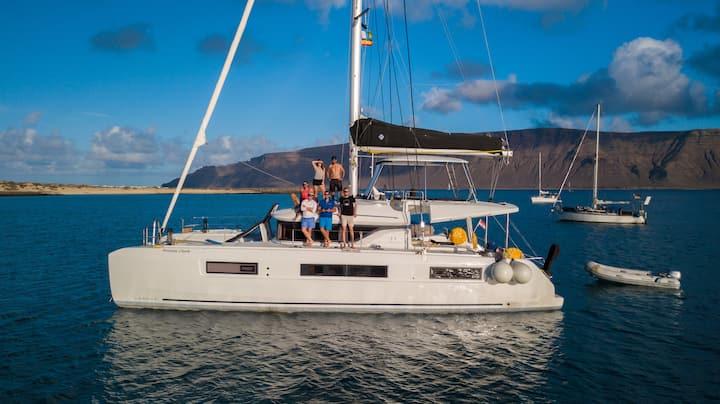Lux Catamaran Lagoon 50 Sailing from BVI Tortola