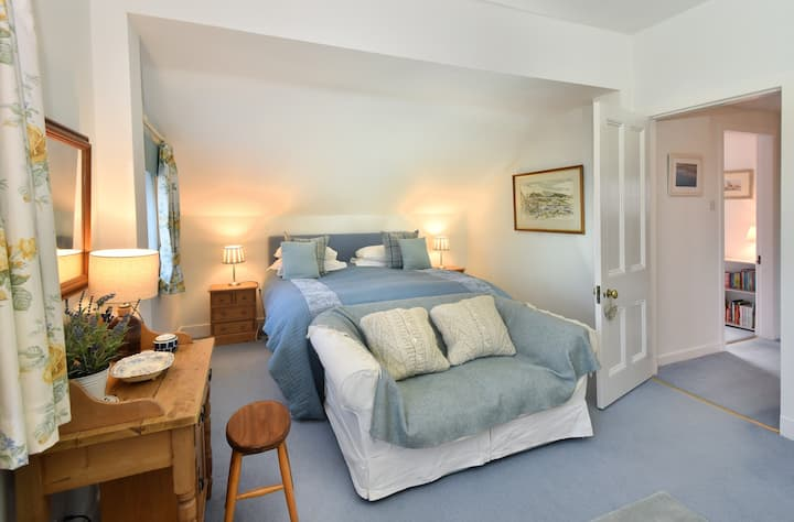 Large Family Suite with separate childrens bedroom