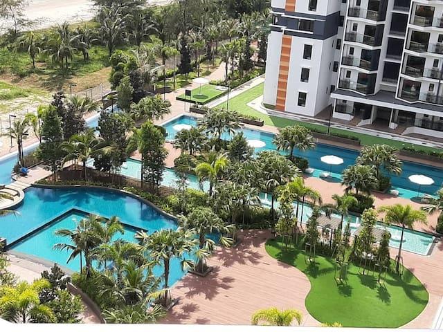 De Rhu Suite@TimurBay Seafront Residence