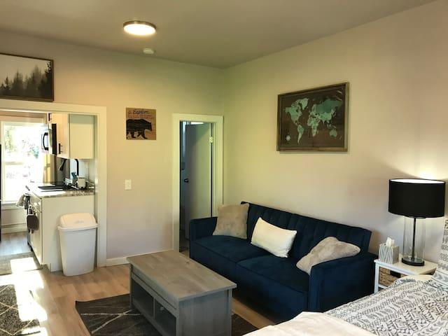 Cozy OCC Studio Cottage