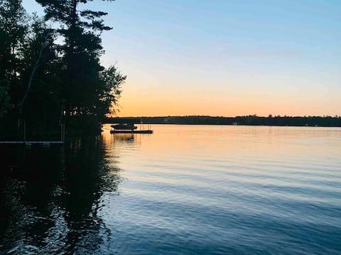 Beautiful 2 bedroom lake home w/200' of shoreline.