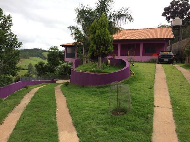 Casa de campo em Jambeiro sp
