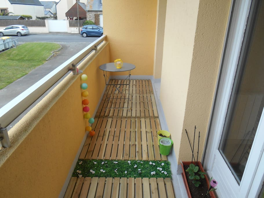 Terrasse agréable toujours ensoléillé