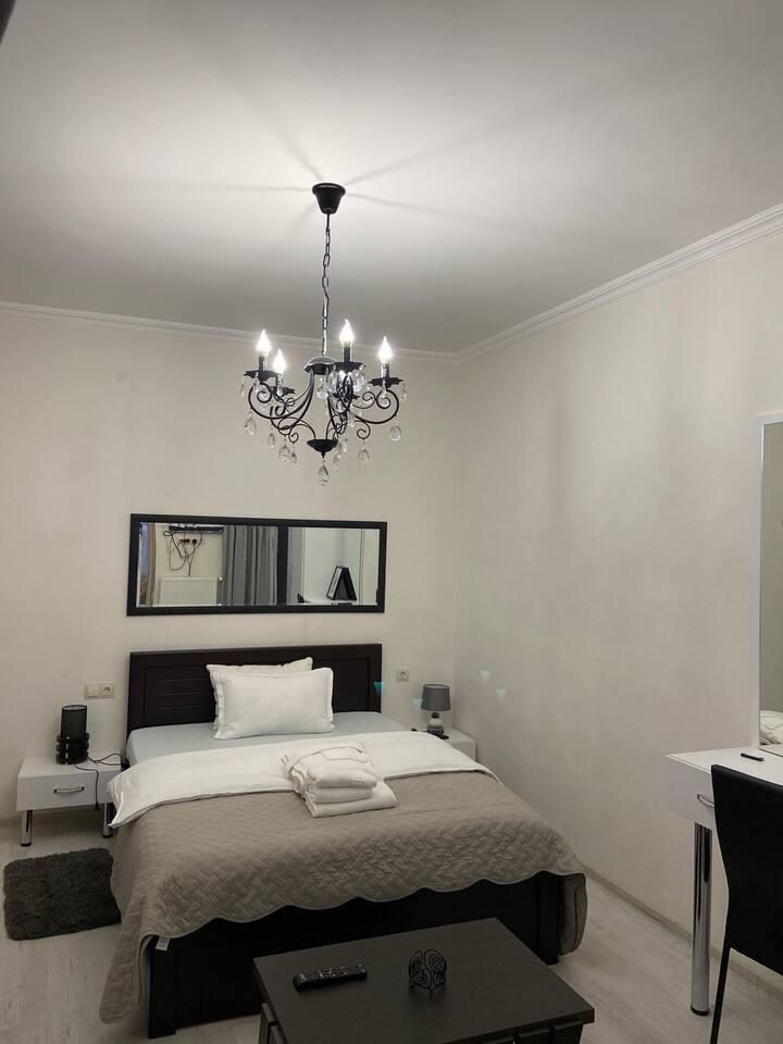 Nina's ApartHotel 1