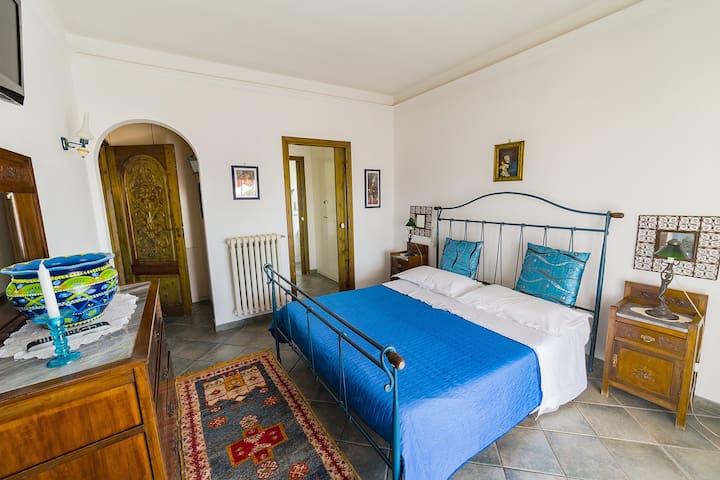 Attico Rooms - Camera matrimoniale Turchese