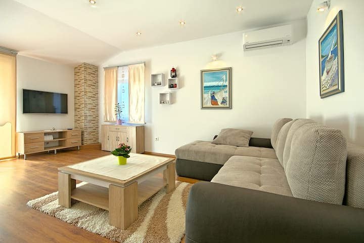 Modern and spacious apartment Jedro - Nova Vas - Leilighet