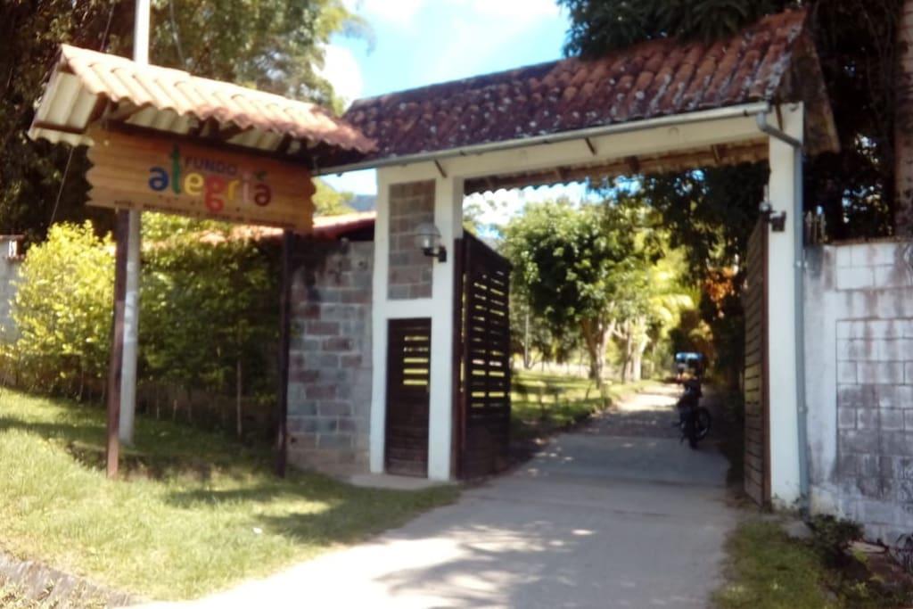 Entrada al Alojamiento
