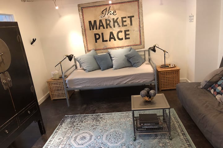 Highland Park Haven -- Studio with full amenities