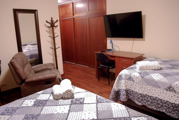 Bed and Breakfast with private Bathroom 2