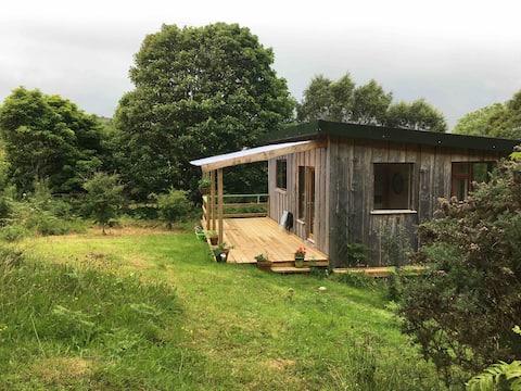 Heron Hideaway: Cosy River Cabin on 14 acres