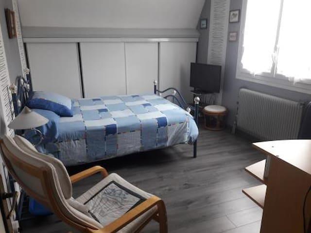 Chambre villa Lebisey nord de Caen