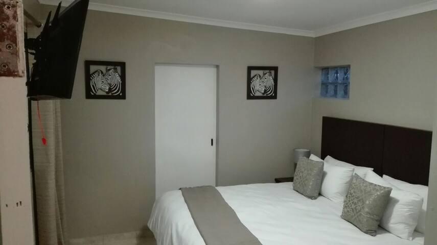 LA CASA SELF CATERING ACCOMMODATION - Cape Town - Apartment