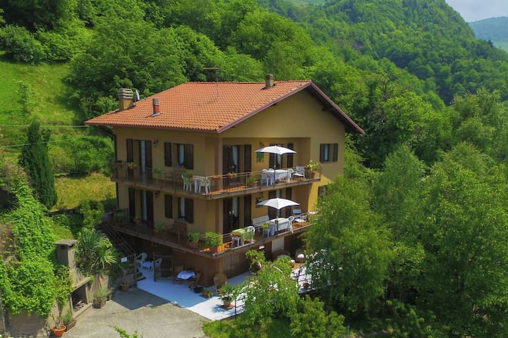 Spacious Holiday Home in Pisogne with Swimming Pool