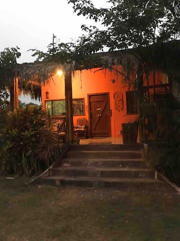 Casa campestre con zona de camping