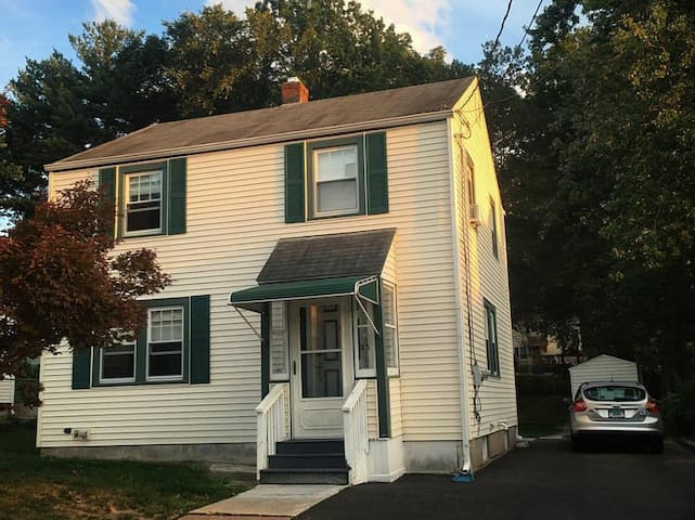 In-Law Suite Basement Apt in Charming Colonial - Hartford