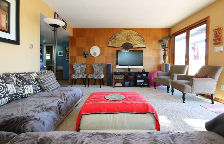Mt Helix Delight 3+/2 sleeps 8-10 Family Friendly!