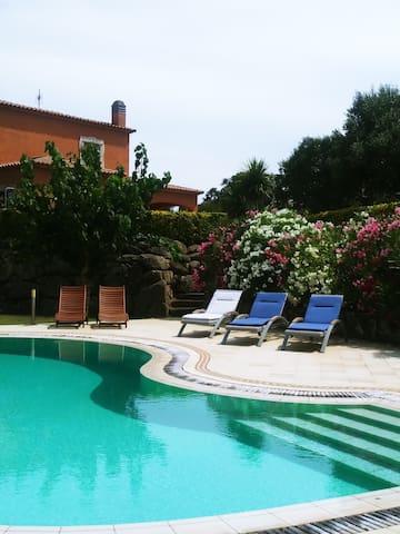 Villa  with fantastic views, pool & garden