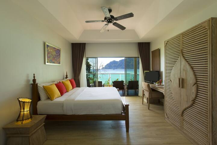 Fantastic Villa on Tonsai Bay!