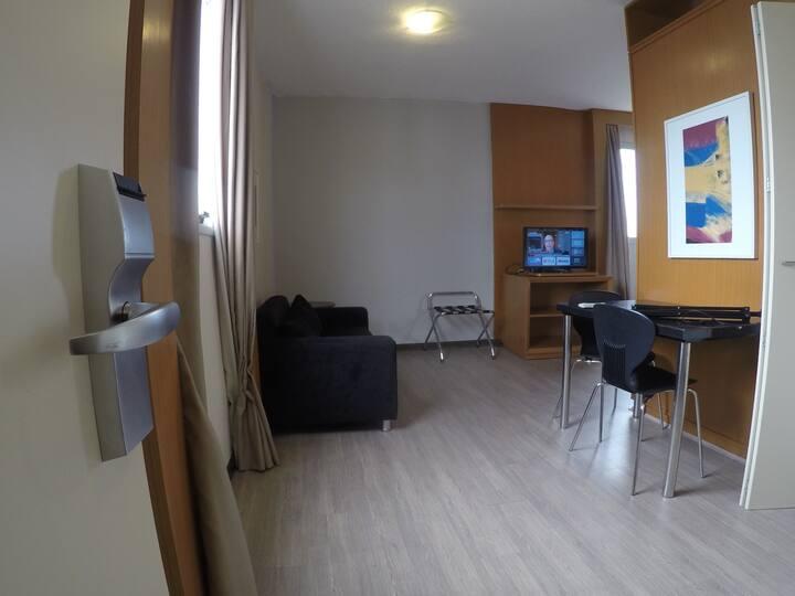 Flat Alto Padrão Uberlândia - Ar, internet, BluTV