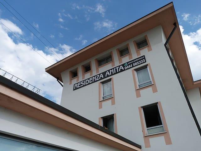 Bilocale grande per max. 4 persone Vicenza Ovest - Provincia di Vicenza - Appartement