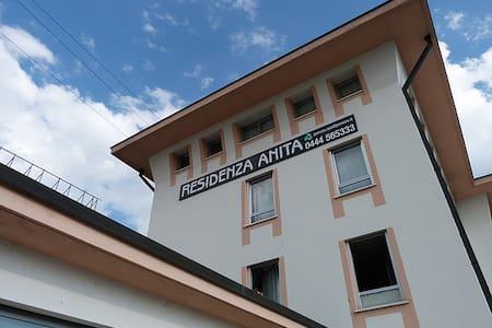 Bilocale grande per max. 4 persone Vicenza Ovest - Provincia di Vicenza