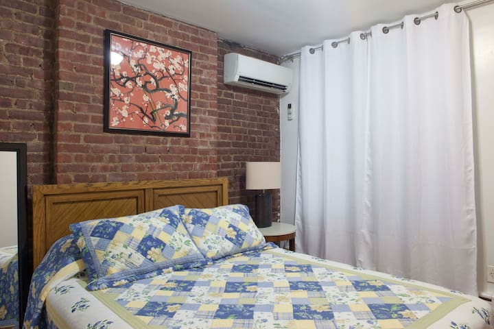 Clean Room right by Columbus Circle / Central Park