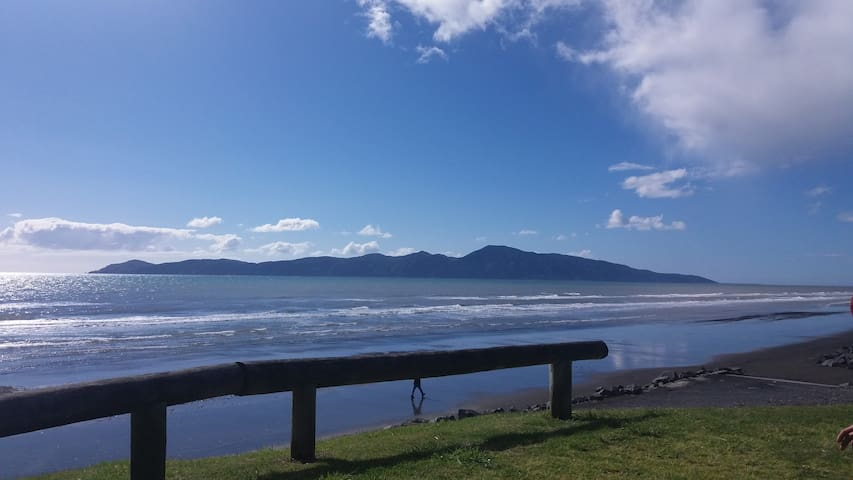 Relaxed family home in Raumati South - Paraparaumu - Huis